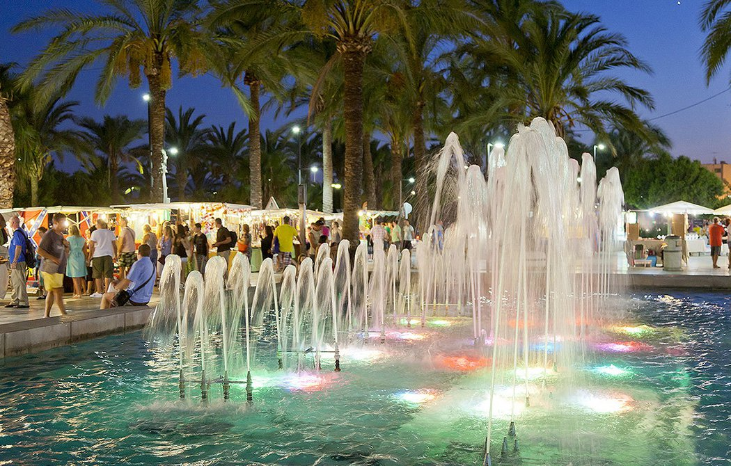 La Alameda waterfront promenade
