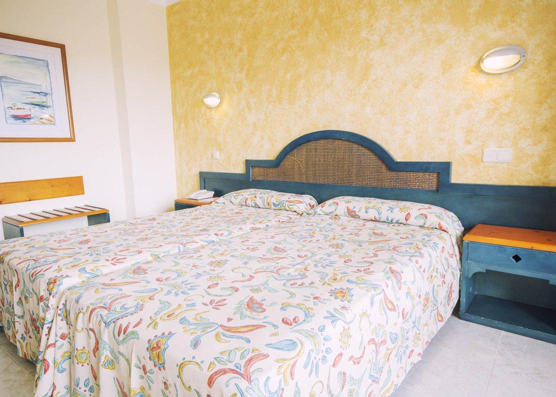 Habitación Doble Vista Piscina-4