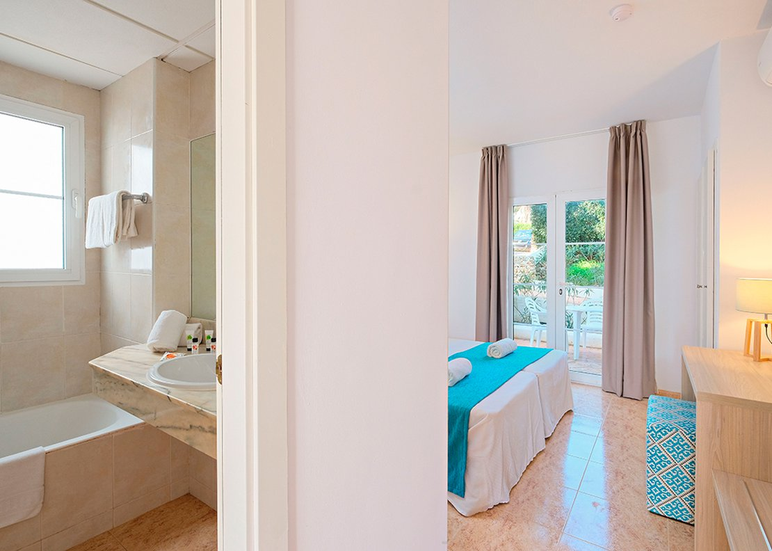 Villa: 3 Bedrooms with Private Pool-6