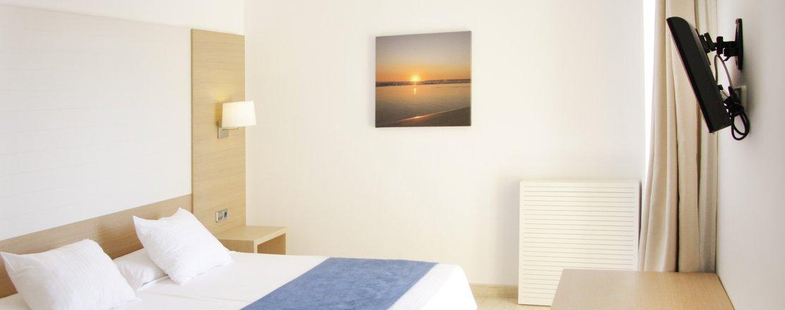 Standard Twin Room-7