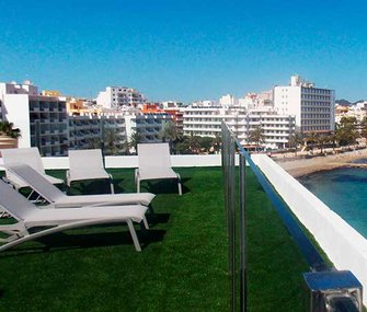 Discover the services of our holiday apartments in Figueretas beach,