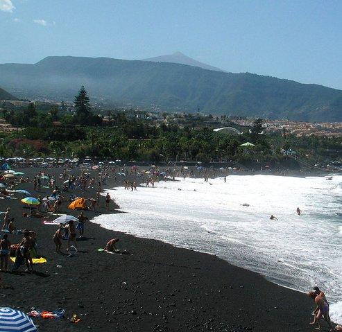 Playas de arena negra