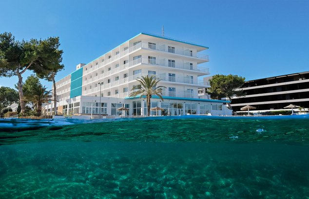 Welcome to the azuLine Hotel Mar Amantis & Mar Amantis II, our hotel in San Antonio Bay, Ibiza