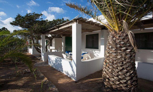 https://images.neobookings.com/600x400/hotels/formentera/punta-rasa/rooms/apartment-a-pyxoovo7xn.jpg