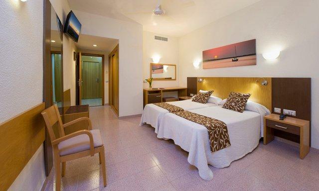 Il tuo Hotel sulla spiaggia di San Antonio, Ibiza Hotel centro a San Antonio, Ibiza - Hotel Gran Sol