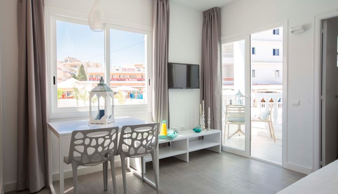 Perfect acommodation in San Antonio, IbizaLuxury Apartments in San Antonio, Ibiza - The Beach Star, Grupo Star Resorts