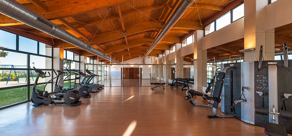 Fitnessstudio +16-2