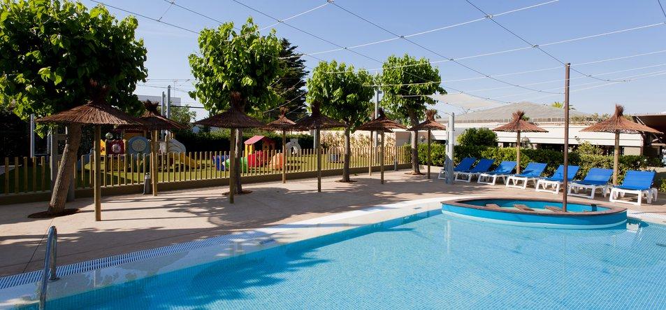 Insi Tiny Park & Pool-2