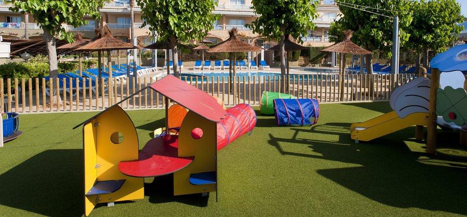 Insi Tiny Park & Pool-3