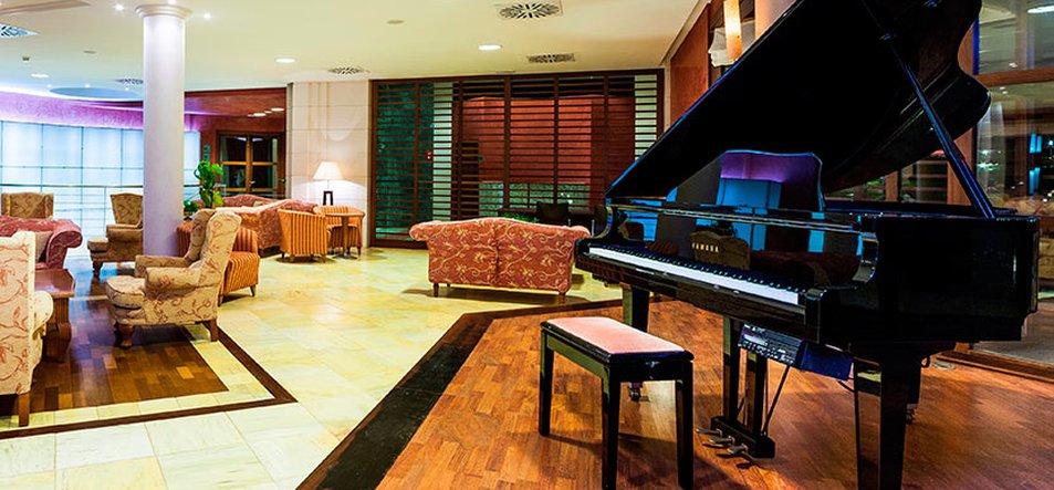 Lobby Bar Sa Sivina-1