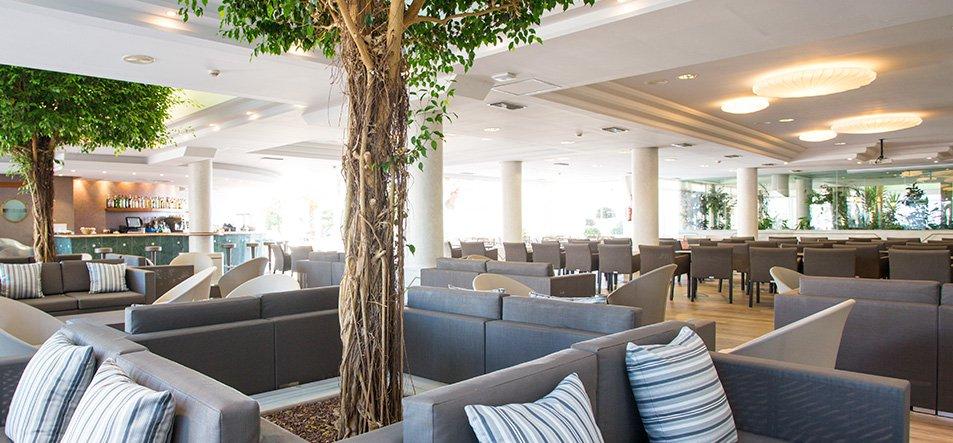 Lounge Bar-3