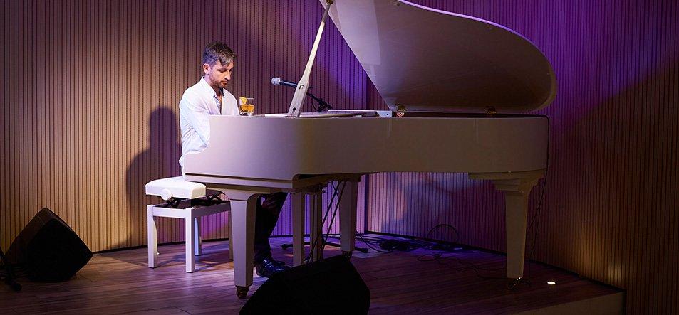 Piano Bar-1