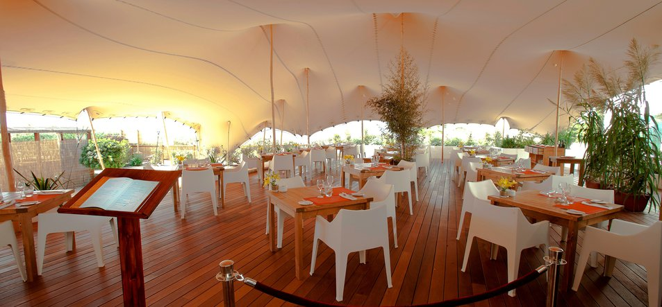 Restaurant & Lounge-3