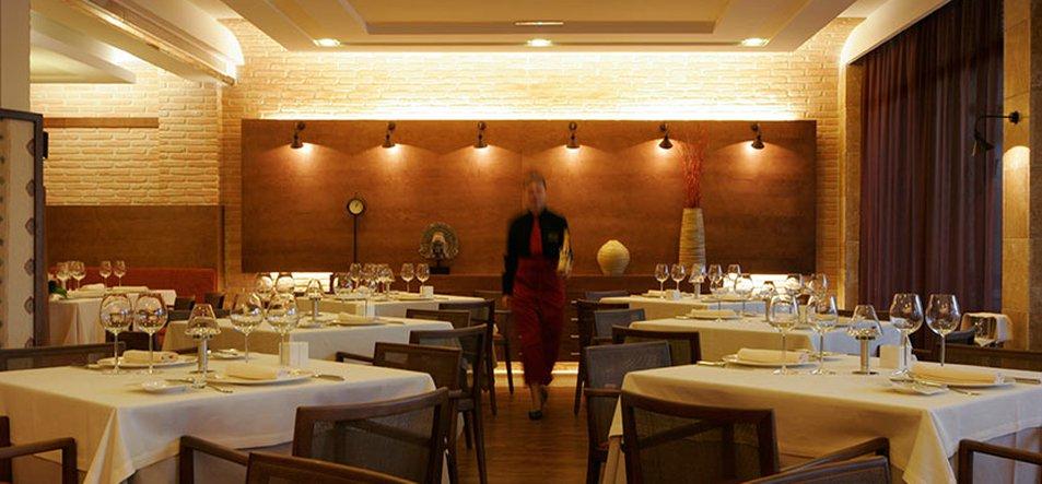 Restaurante Gourmet La Vinoteca-1