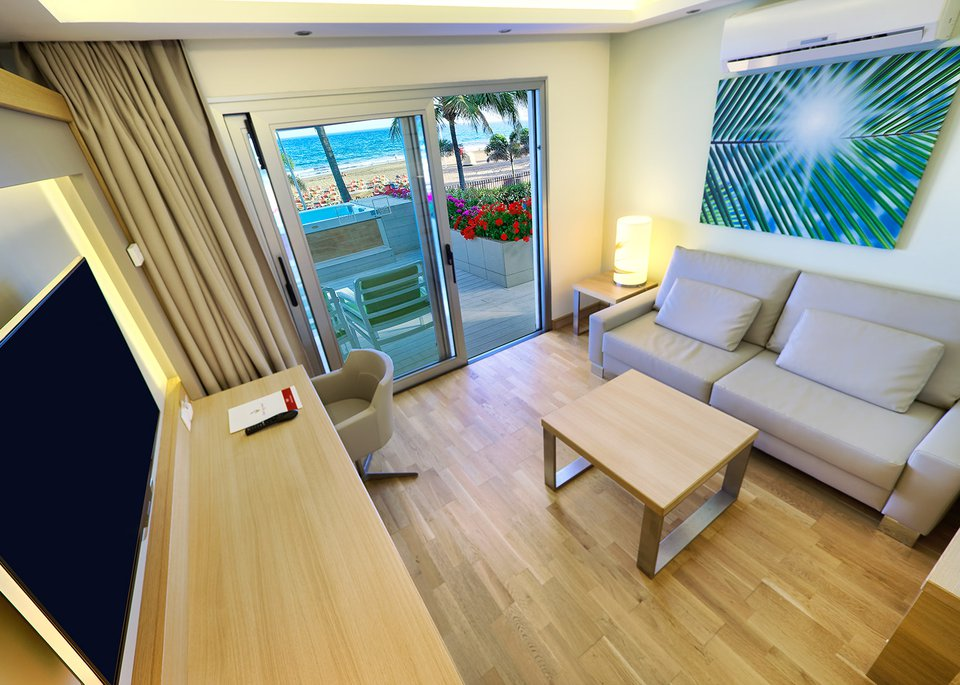 Sea View Suite-8