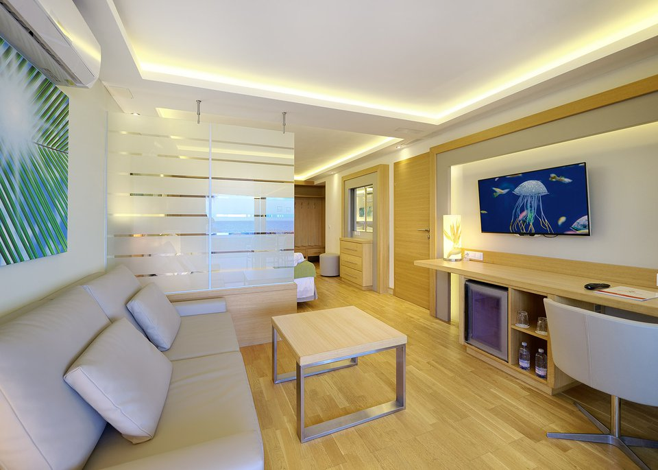Sea View Suite-4