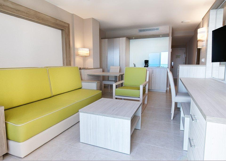 Double Room High Floor-3
