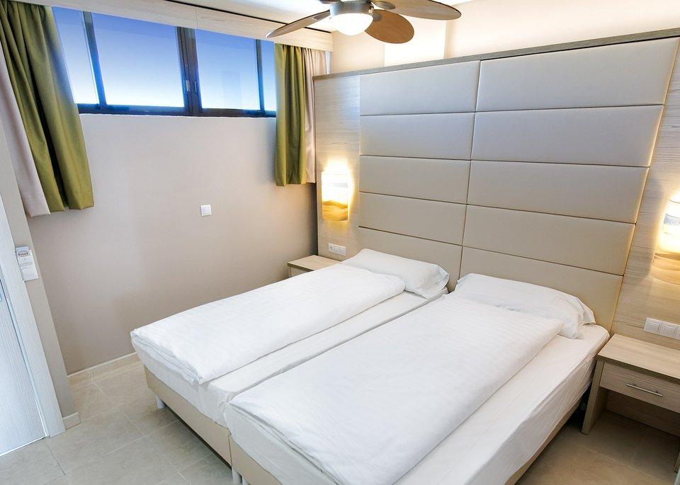 Double Room High Floor-6