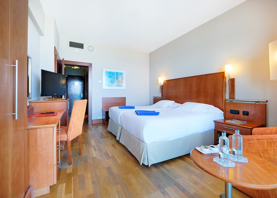Double Room with Free Spa-4