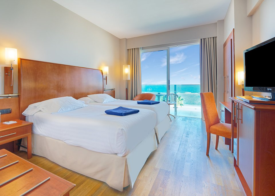 Double Sea View Room with Free Spa-1