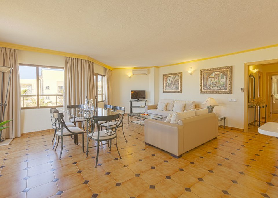 Classic Superior 2 Bedroom Apartment with Sea View and Large Terrace-5