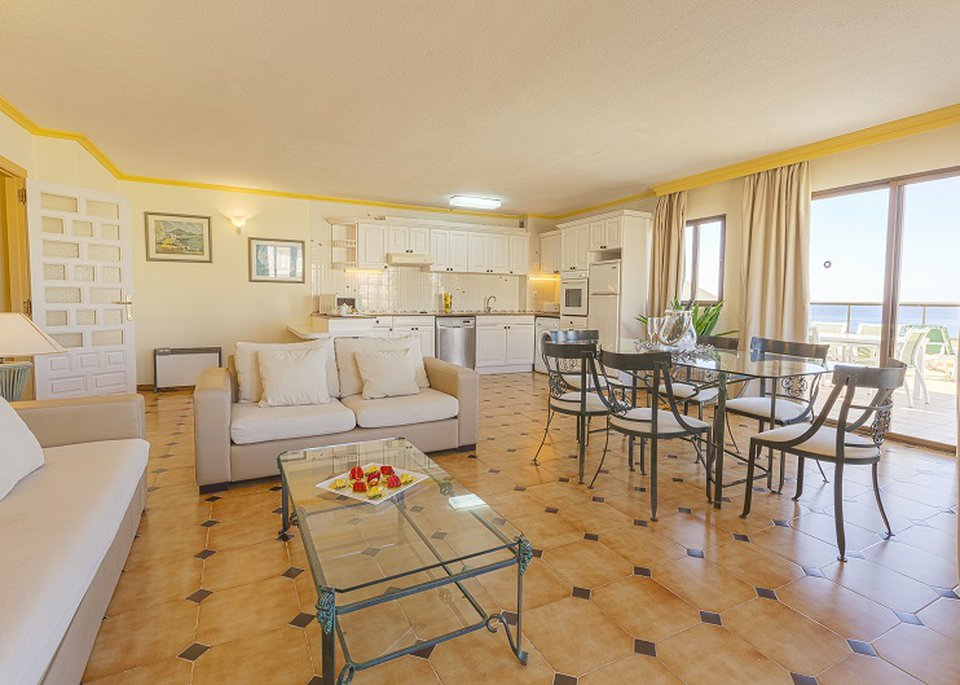 Classic Superior 2 Bedroom Apartment with Sea View and Large Terrace-2
