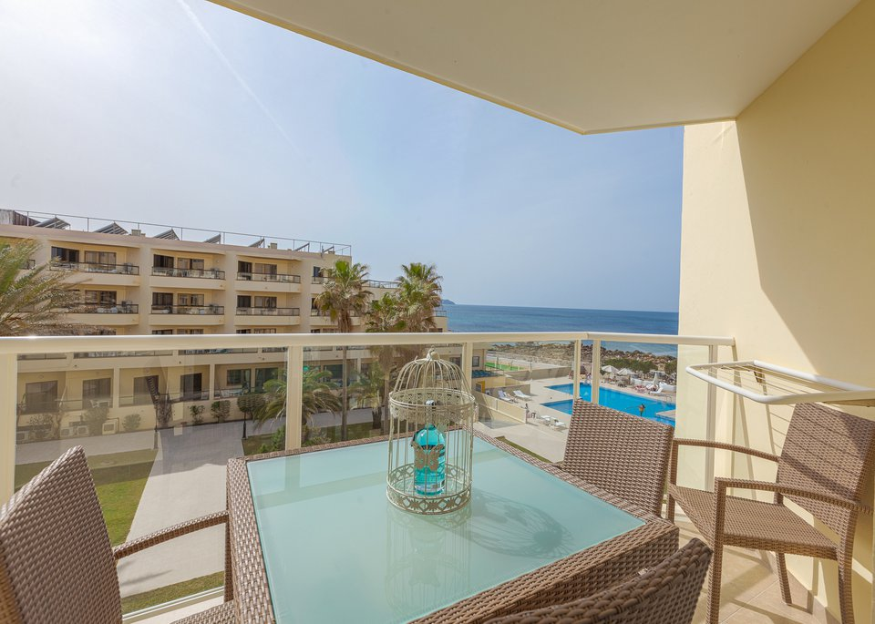 Deluxe 1 Bedroom Apartment with Sea View-1