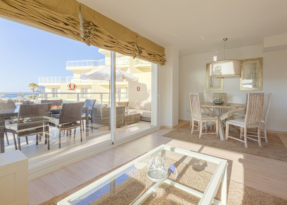 Suite Deluxe 3 Bedroom Apartment with Sea View-2