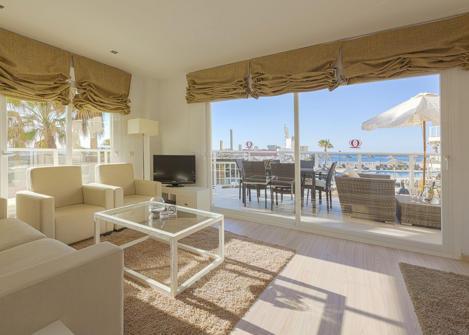 Suite Deluxe 3 Bedroom Apartment with Sea View and Large Terrace-3
