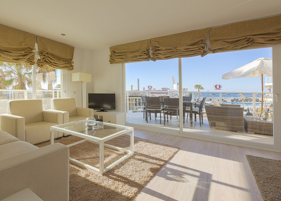 Suite Deluxe 3 Bedroom Apartment with Sea View-1