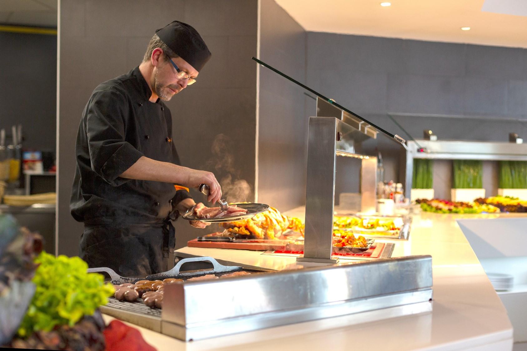 Restaurante com bufê e show cooking