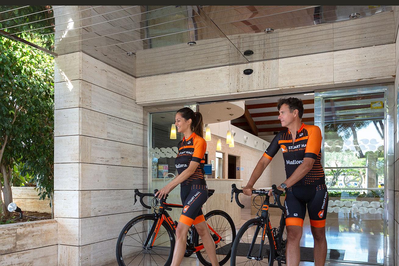 Fahrradgarage und -werkstatt