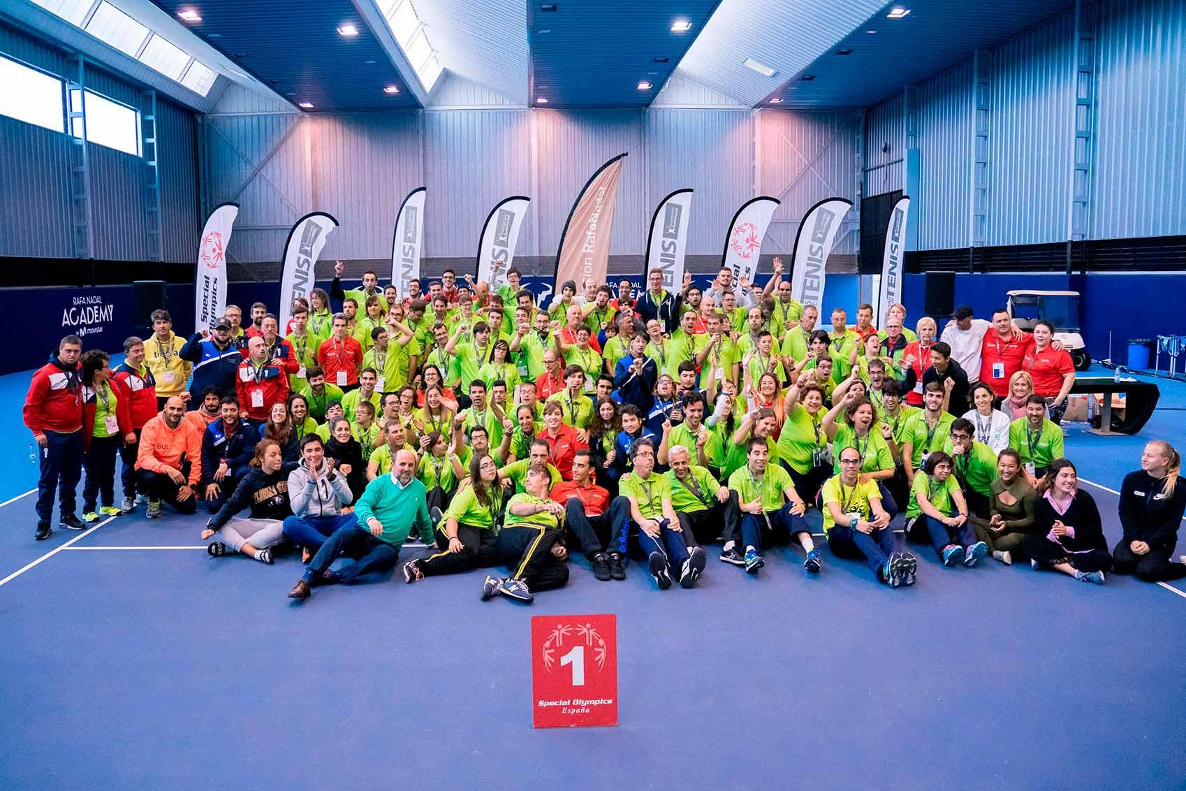 La Fundación Rafa Nadal reúne en la Rafa Nadal Academy a un centenar de tenistas Special Olympics