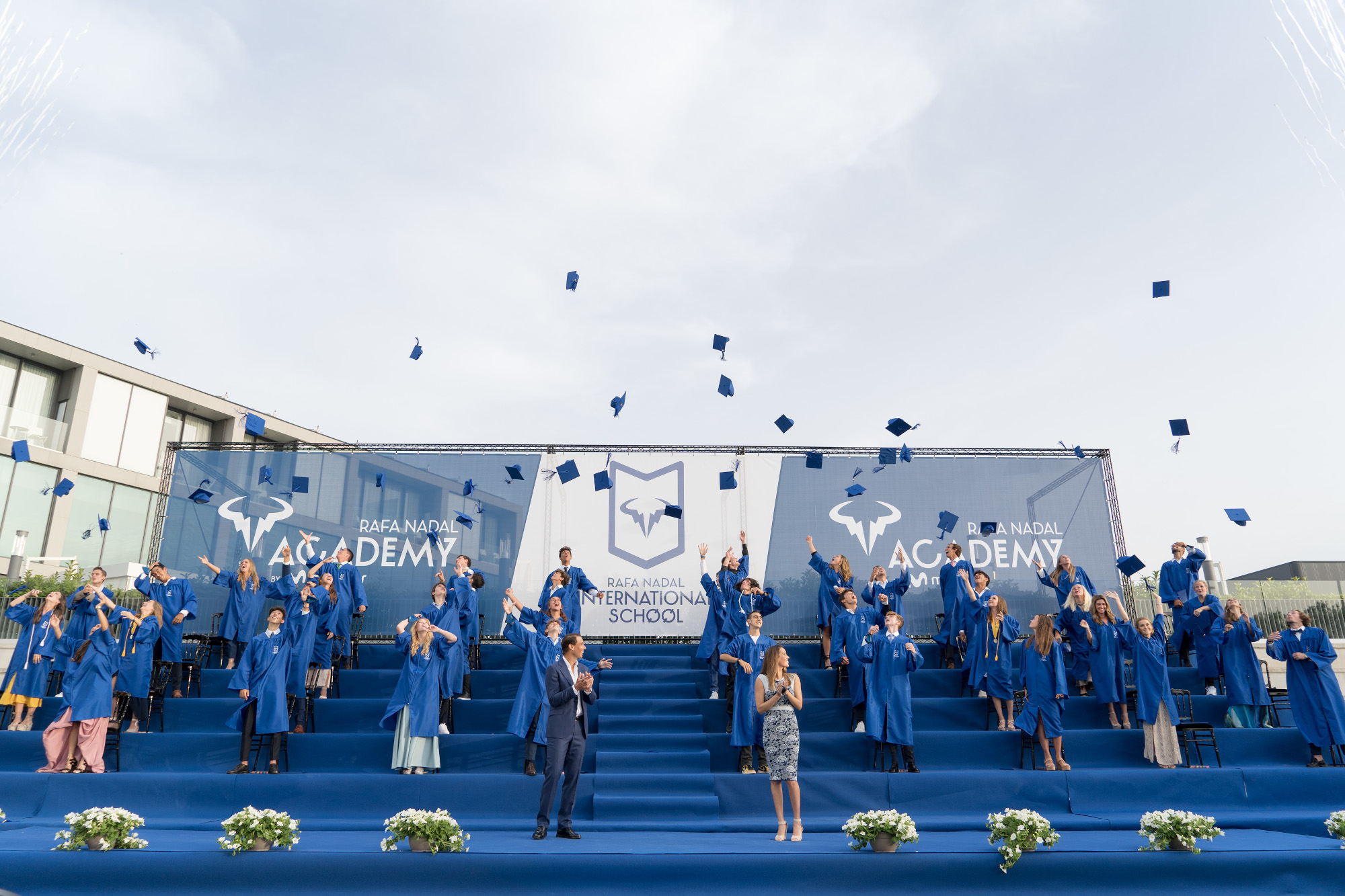 Rafa Nadal y Ona Carbonell presiden la graduación de la Rafa Nadal Academy by Movistar