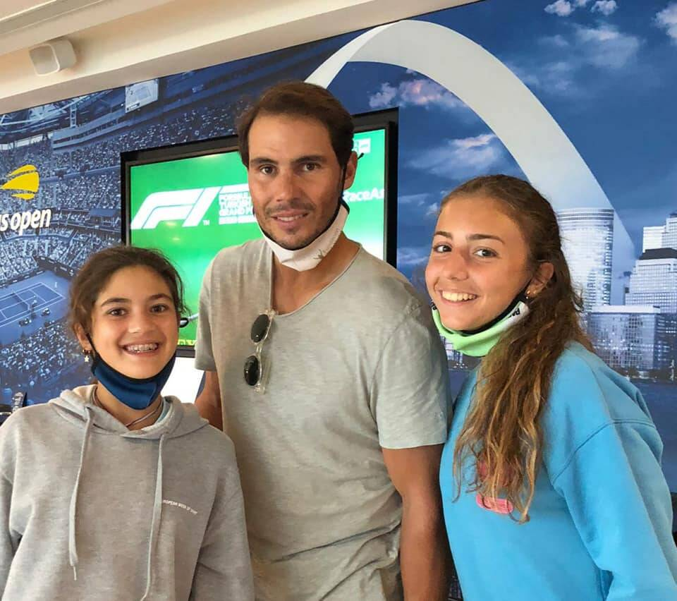 Vittoria and Carola, the players that went viral during lockdown, meet Rafa Nadal at the Academy