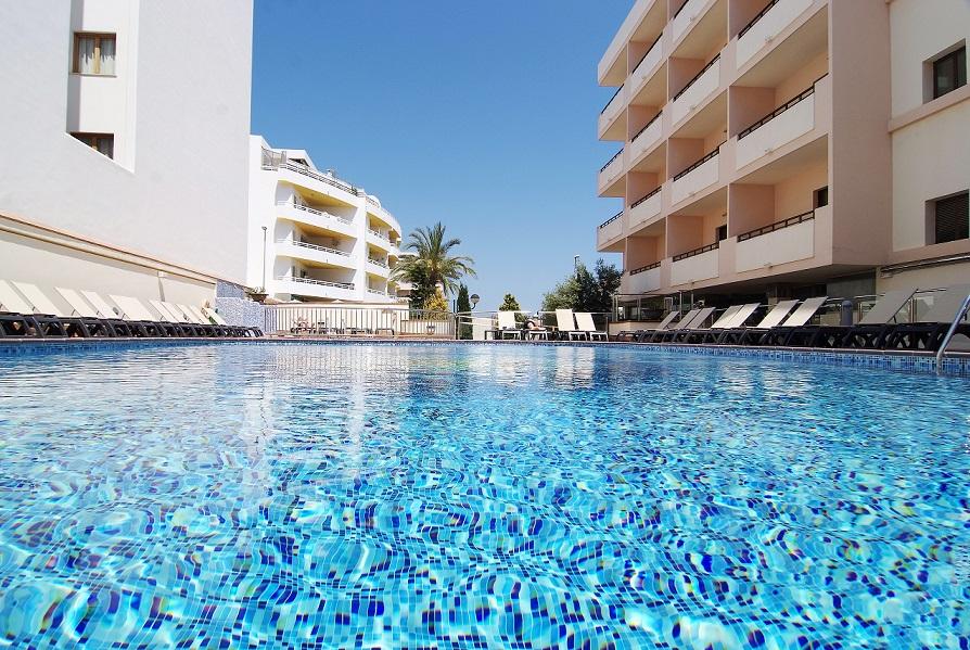 Hotel en Santa Eulalia Ibiza, Invisa La Cala 4 estrellas